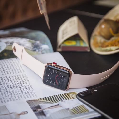 Apple watch serial 3 được đổi lên Aapple watch Serial 4